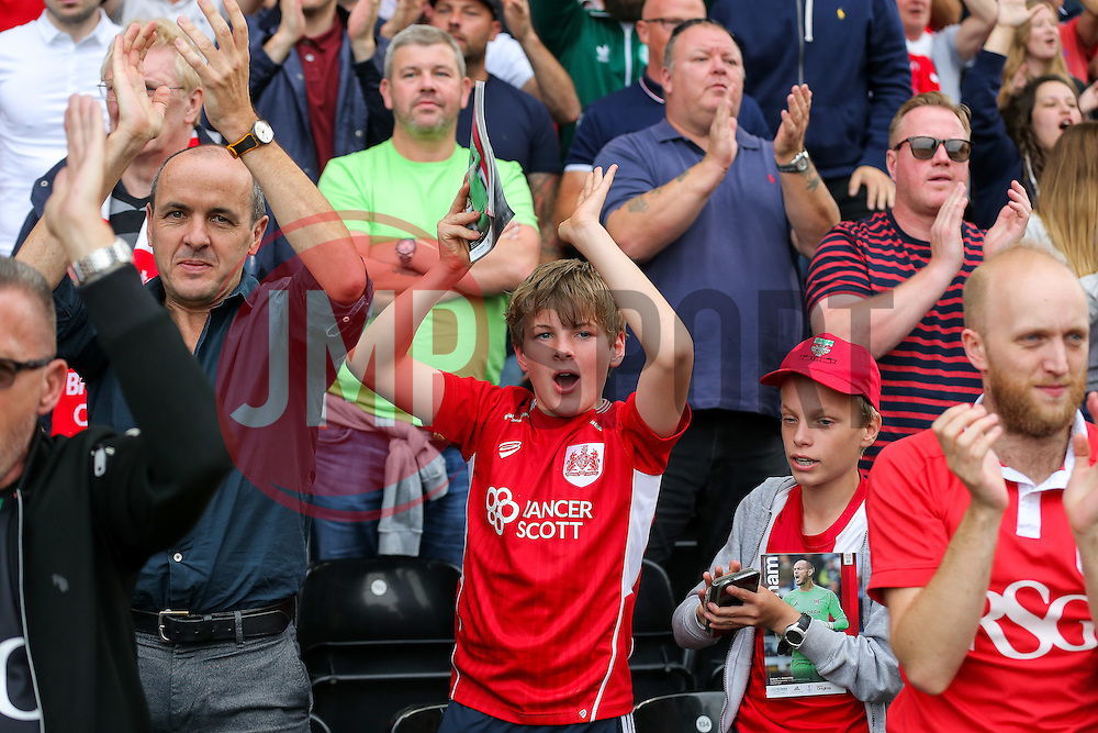 Bristol City fans celebrate after a 0-4 victory - Rogan Thomson/JMP - 24/09/2016 - FOOTBALL - Craven Cottage Stadium - London, England - Fulham v Bristol City - Sky Bet EFL Championship.