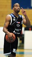 Basketball <br /> BLNO<br /> Asker Aliens v Kristiansand Pirates<br /> Vollenhallen<br /> <br /> 12.12.2004<br /> Foto: Morten Olsen, Digitalsport<br /> <br /> Darnell McCulloch - Pirates