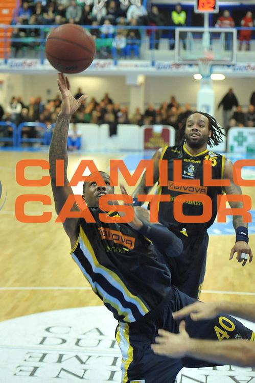 DESCRIZIONE : Brindisi Campionato Lega Basket A2 2011-12 Enel Brindisi Scafati<br /> GIOCATORE : Lester Marigney<br /> SQUADRA : Scafati<br /> EVENTO : Campionato Lega Basket A2 2011-2012<br /> GARA : Enel Brindisi Scafati<br /> DATA : 08/01/2012<br /> CATEGORIA : Tiro<br /> SPORT : Pallacanestro <br /> AUTORE : Agenzia Ciamillo-Castoria/V.Tasco<br /> Galleria : Lega Basket A2 2011-2012 <br /> Fotonotizia : Brindisi Campionato Lega Basket A2 2011-12 Enel Brindisi Scafati<br /> Predefinita :