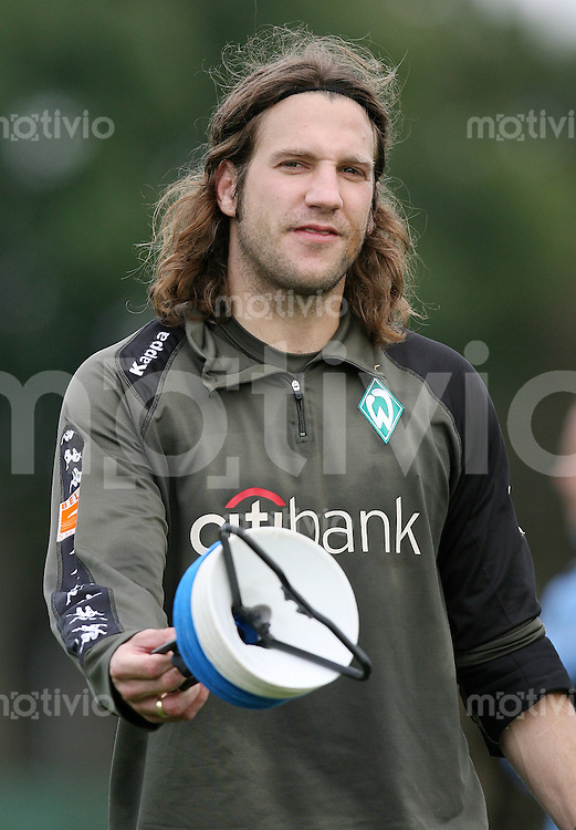 FUSSBALL   1. BUNDESLIGA   SAISON 2007/2008 Training SV Werder Bremen am Torsten FRINGS