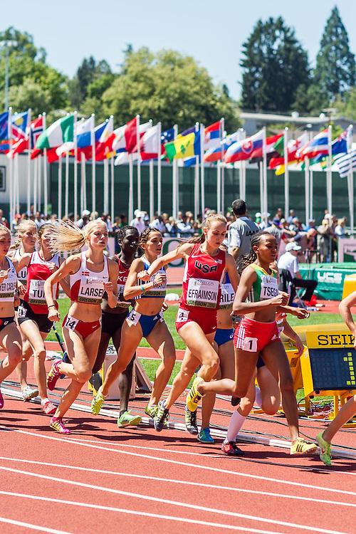 women's 1500 meter heat 1, Alexa Efraimson