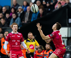 Tom Prydie of Scarlets catches the high ball<br /> <br /> Photographer Simon King/Replay Images<br /> <br /> Guinness PRO14 Round 11 - Ospreys v Scarlets - Saturday 22nd December 2018 - Liberty Stadium - Swansea<br /> <br /> World Copyright © Replay Images . All rights reserved. info@replayimages.co.uk - http://replayimages.co.uk