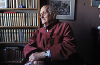 """Georges Borgeaud, Swiss writer (1914-1998). Author of """"Le voyage à l'étranger"""",  photographed at home in Paris.<br /> Georges Borgeaud, écrivain suisse (1914-1998), auteur notemment de """"Le voyage à l'étranger"""". Photographié chez lui à Paris dans les années 90."""