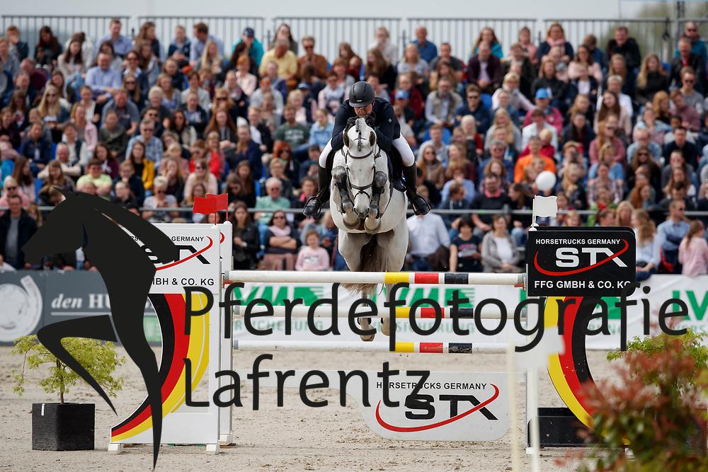 KREUZER Andreas (GER), Castro W<br /> Hagen - Horses and Dreams meets the Royal Kingdom of Jordan 2018<br /> Grosser Preis der DKB Qualifikation DKB-Riders Tour<br /> 30 April 2018<br /> www.sportfotos-lafrentz.de/Stefan Lafrentz