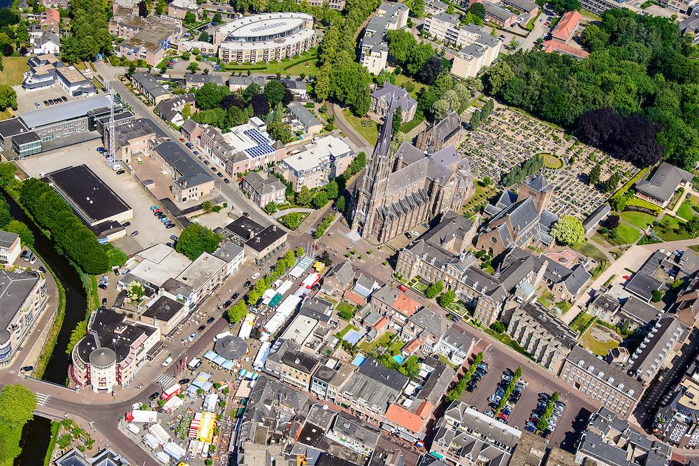 Nederland, Noord-Brabant, Gemeente Veghel, 26-06-2014; centrum met Hoofdstraat en de jaarlijkse kermis.  Sint-Lambertuskerk<br /> luchtfoto (toeslag op standaard tarieven);<br /> aerial photo (additional fee required);<br /> copyright foto/photo Siebe Swart.