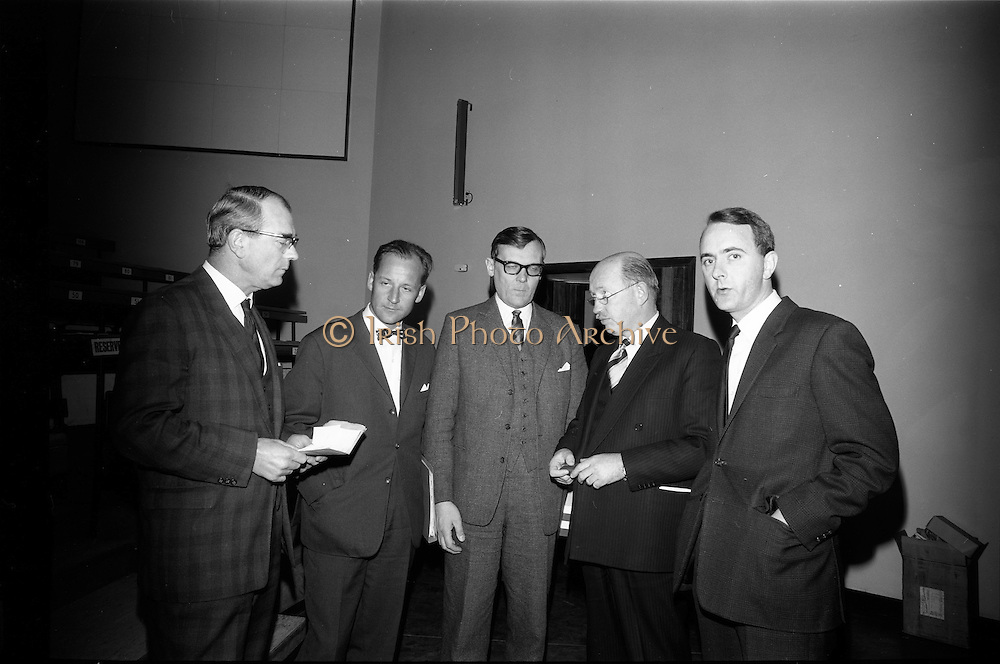 25/03/1966<br /> 03/25/1966<br /> 25 March 1966<br /> Shock Symposium at UCD, Belfield, Dublin. The symposium on medical &quot;Shock&quot; sponsored by Pharmacia International was held at the Department of Science at U.C.D.. Over 250 attended the symposium that was presided over by Prof. P. FitzGearld M.D., M.Ch., M.Sc F.R.C.S.I.. Picture shows (l-r): Profeeor E. O'Malley, M.Ch., F.R.C.S.I.; Dr U.F. Gruber, M.D. (Switzerland); Dr H. Hint, M.D., (Sweden); Prof. P. FitzGerald and Mr P. Brady, M.Ch., F.R.C.S.I. who gave papers at the event.<br /> O'Malley: &quot;General Aspects of Shock&quot;; <br /> Gruber: &quot;Volume Replacement in Shock&quot;;<br /> Hint: &quot;The Relation Between Molecular Weight of Dextran and its Effects&quot;; <br /> Brady: &quot;Renal Function in Shock&quot;.