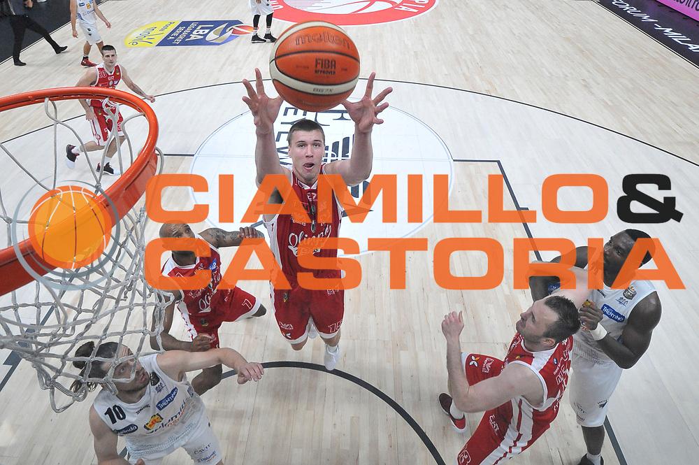 Kaleb Tarczewski<br /> Olimpia EA7 Emporio Armani Milano vs Dolomiti Energia Trentino<br /> Lega A  2016/2017  Semifinale Gara 1<br /> Milano 25/05/2017<br /> Foto Ciamillo-Castoria/I.Mancini<br /> Provvisorio