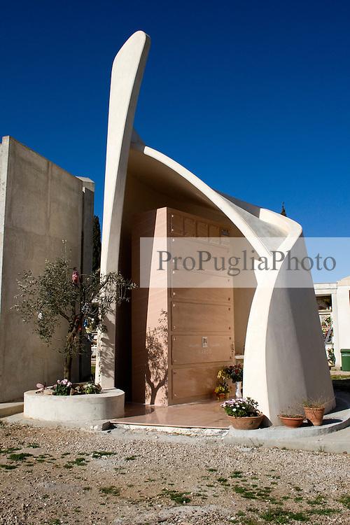Foto della cappella nel cimitero di Alessano 28/03/2010