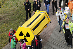 Symbolfoto: Castortransport<br /> <br /> Ort: Heilbronn<br /> Copyright: Karin Behr<br /> Quelle: PubliXviewinG