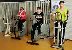 ©2012-FotoHoogendoorn.nl 15-02-2012 NED Bas Houweling, Sleeuwijk<br /> Mensen met diabetes oefenen en sporten in de huisartsenpraktijk