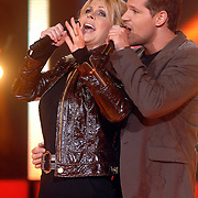 NLD/Weesp/20070311 - 1e Live uitzending Just the Two of Us, deelnemers, Bartina Koeman en Rene van Kooten