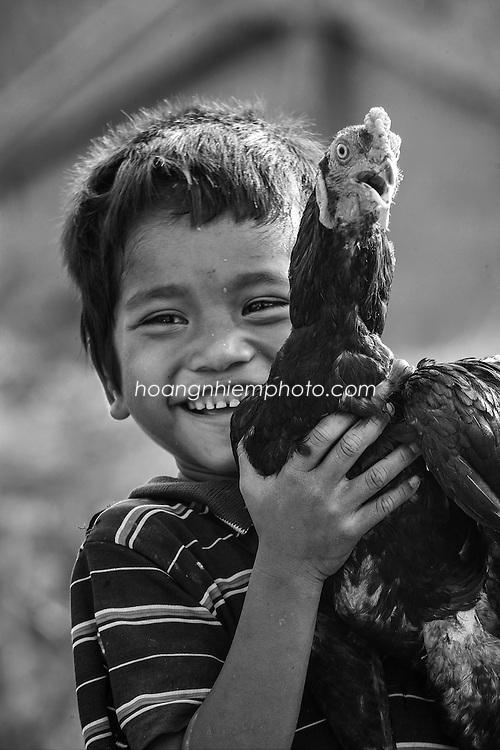 Vietnam Images-childrren-Trẻ em-chân dung hoàng thế nhiệm