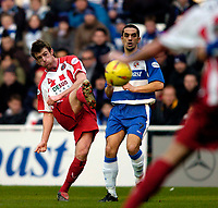 Photo: Richard Lane.<br /> Reading v Sheffield United. Nationwide Division One. 28/02/2004<br /> Michael Tonge fires in a lste shot.