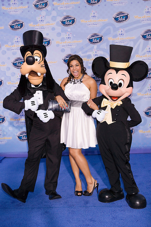 LAKE BUENA VISTA, FL - FEBRUARY 12: Jordin Sparks, season 6 winner, walks on the red carpet for the grand opening of the American Idol Experience at Disney's Hollywood Studios In Walt Disney World on February 12, 2009 in Lake Buena Vista, Florida. (Photo by Matt Stroshane/Getty Images)