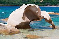 Italie, Sardaigne, Costa Smeralda, plage du rocher de l elephant.  // Italy, Sardinia, Elephant rock beach.