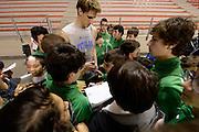 DESCRIZIONE : Ancona raduno nazionale maschile senior - allenamento e autografi<br /> GIOCATORE : Achille Polonara<br /> CATEGORIA : nazionale maschile senior<br /> GARA : Ancona raduno nazionale maschile senior - allenamento e autografi<br /> DATA : 09/04/2014<br /> AUTORE : Agenzia Ciamillo-Castoria