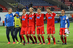 24.09.2014, Voith Arena, Heidenheim, GER, 2. FBL, 1. FC Heidenheim vs 1. FC Nuernberg, 7. Runde, im Bild #Rouven Sattelmaier (1.FC Heidenheim) #Philipp Riese ( 1.FC Heidenheim ) Julius Reinhardt (1.FC Heidenheim) #Sebastian Griesbeck (1.FC Heidenheim) Florian Niederlechner (1.FC Heidenheim)Tim Goehlert (1.FC Heidenheim) Robert Strauss (1.FC Heidenheim) nach dem Sieg // during the 2nd German Bundesliga 7th round match between 1. FC Heidenheim and 1. FC Nuernberg at the Voith Arena in Heidenheim, Germany on 2014/09/24. EXPA Pictures © 2014, PhotoCredit: EXPA/ Eibner-Pressefoto/ Langer<br /> <br /> *****ATTENTION - OUT of GER*****