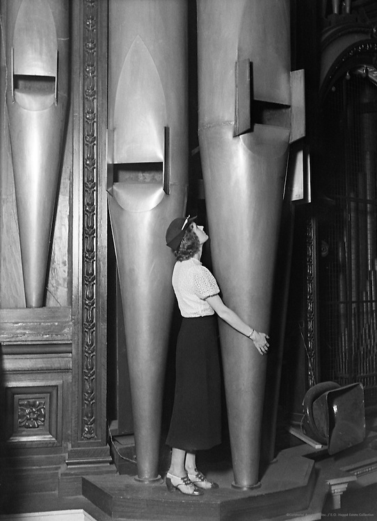 Organ of the Albert Hall, London, 1932