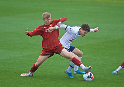 KIRKBY, ENGLAND - Saturday, August 10, 2019: Liverpool's substitute Jack Bearne (L) and Tottenham Hotspur's Armando Shashoua during the Under-23 FA Premier League 2 Division 1 match between Liverpool FC and Tottenham Hotspur FC at the Academy. (Pic by David Rawcliffe/Propaganda)