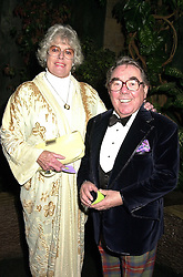 MR & MRS RONNIE CORBETT he is the comedian, at a gala evening in London on 14th September 2000.OGX 30