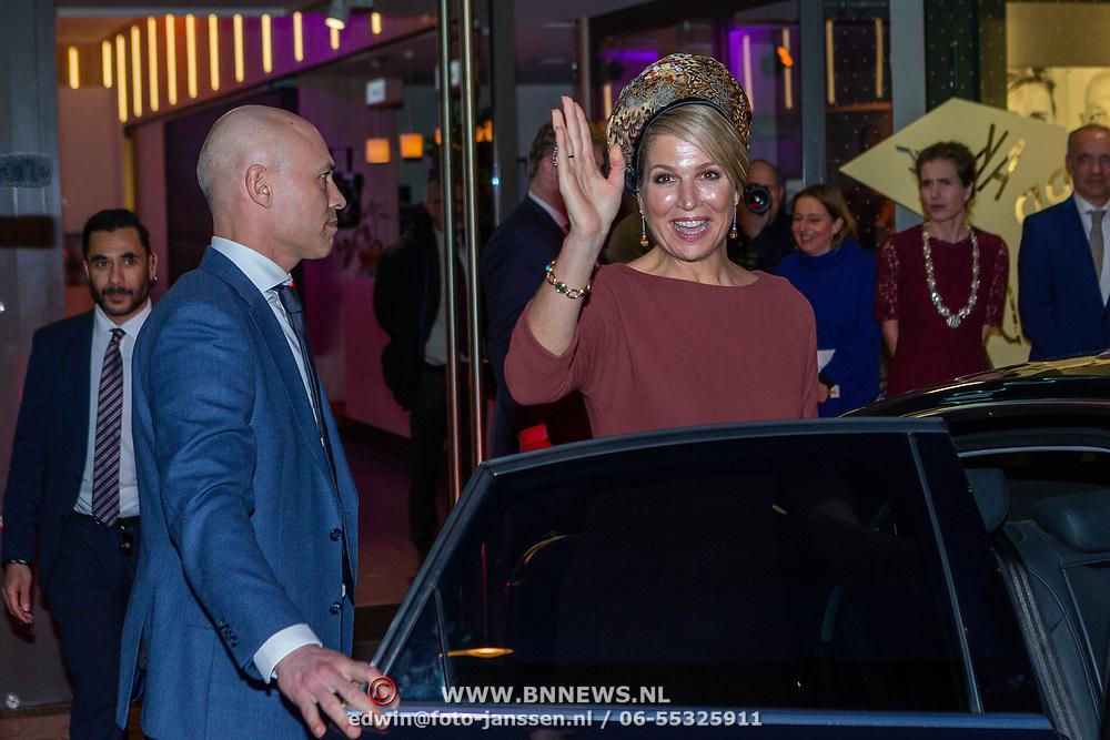 NLD/Amsterdam/20200218 -  Koningspaar bij seminar 'indonesia and the Netherlands, maxima en haar VDKH beveiliger