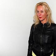 NLD/Amsterdam/20070727 - Inloop modeshow Darryl van der Wouw tijdens de Amsterdam fashionweek 2007, modeontwerpster Ilja Visser
