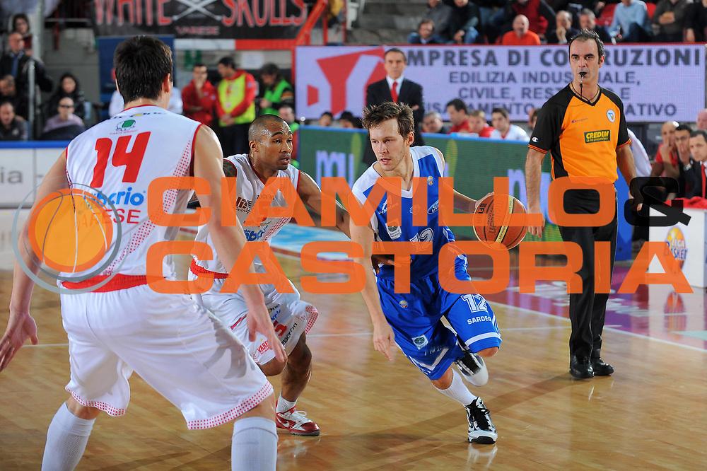 DESCRIZIONE : Varese Lega A 2010-11 Cimberio Varese Dinamo Sassari<br /> GIOCATORE : Travis Diener<br /> SQUADRA : Dinamo Sassari<br /> EVENTO : Campionato Lega A 2010-2011<br /> GARA : Cimberio Varese Dinamo Sassari<br /> DATA : 06/01/2011<br /> CATEGORIA : Palleggio<br /> SPORT : Pallacanestro<br /> AUTORE : Agenzia Ciamillo-Castoria/A.Dealberto<br /> Galleria : Lega Basket A 2010-2011<br /> Fotonotizia : Varese Lega A 2010-11Cimberio Varese Dinamo Sassari<br /> Predefinita :