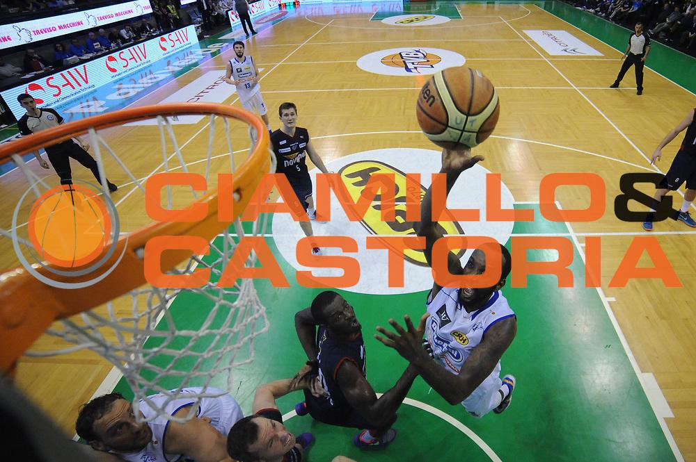 DESCRIZIONE : Treviso Lega A 2015-16 Playoff Gara 1 Universo Treviso Basket - Novipiu Casale Monferrato<br /> GIOCATORE : Marshawn Powell<br /> CATEGORIA : Tiro Special<br /> SQUADRA : Universo Treviso Basket - Novipiu Casale Monferrato<br /> EVENTO : Campionato Lega A 2015-2016 <br /> GARA : Universo Treviso Basket - Novipiu Casale Monferrato<br /> DATA : 01/05/2016<br /> SPORT : Pallacanestro <br /> AUTORE : Agenzia Ciamillo-Castoria/M.Gregolin<br /> Galleria : Lega Basket A 2015-2016  <br /> Fotonotizia :  Bologna Lega A 2015-16 Universo Treviso Basket - Novipiu Casale Monferrato