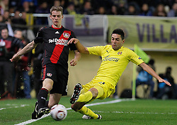 17.03.2011, El Madrigal, Villarreal, ESP, UEFA EL, FC Villarreal vs Bayer 04 Leverkusen, im Bild Villareal's Bruno Soriano (r) and Bayer 04 Leverkusen's Lars Bender during UEFA Europa League match.March 17,2011. . EXPA Pictures © 2011, PhotoCredit: EXPA/ Alterphotos/ Acero +++++ ATTENTION - OUT OF SPAIN / ESP +++++