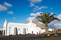 Espagne. Iles Canaries. Lanzarote. Eglise de Tinajo. // Spain. Canary islands. Lanzarote. Tinajo church.