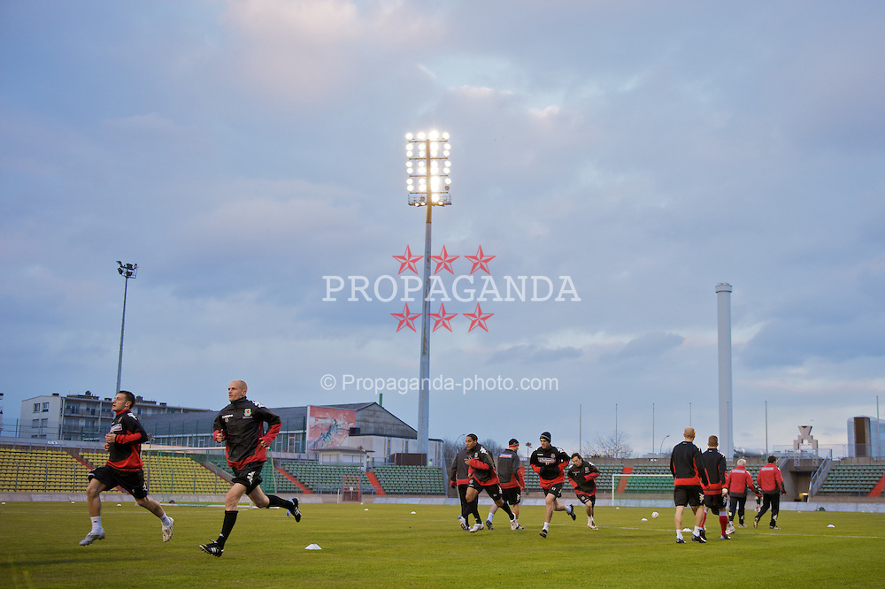 LUXEMBOURG CITY, LUXEMBOURG - Tuesday, March 25, 2008: Wales' players during training at the Stade Josy Barthel ahead of the International Friendly match against Luxembourg. (Photo by David Rawcliffe/Propaganda)