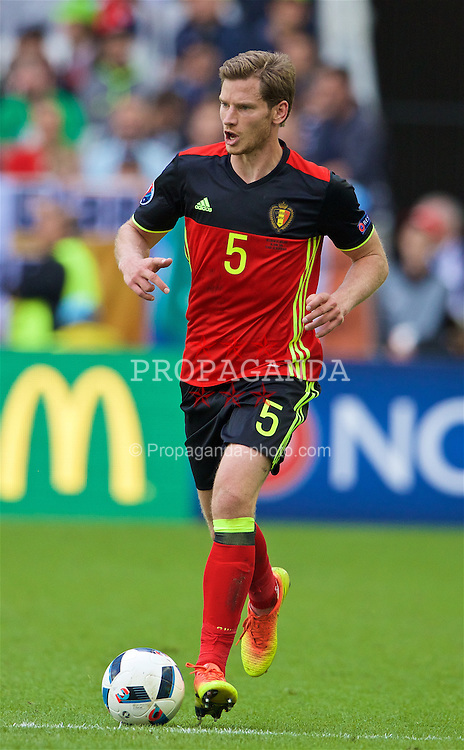 BORDEAUX, FRANCE - Saturday, June 18, 2016: Belgium's Jan Vertonghen in action against the Republic of Ireland during the UEFA Euro 2016 Championship Group E match at Stade de Bordeaux. (Pic by Paul Greenwood/Propaganda)