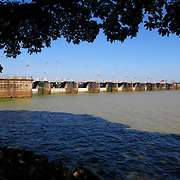 CALABOZO<br /> Estado Guarico - Venezuela 2008<br /> (Copyright © Aaron Sosa)<br /> <br /> El embalse Guárico (Generoso Campilongo) es un embalse y represa ubicado en Calabozo, estado Guárico, Venezuela, que sirve como sistema de riego para una extensa zona arrocera, donde es conocido como el Sistema de riego del Río Guárico más grande con el que cuenta Venezuela, este sirve también para el control de las inundaciones o control de lluvias de los llanos bajos o para la zona sur, fundada en 1957 por Marcos Pérez Jiménez. Cabe destacar que es la más grande hecha en Venezuela y Latinoamérica.<br /> <br /> Calabozo, oficialmente Villa de Todos los Santos de Calabozo, es una ciudad de Venezuela situada en el estado Guárico, capital del municipio Sebastián Francisco de Miranda y antigua capital del estado. Tiene una población de 325.477 habitantes. Se ubica en el centro-oeste del estado Guárico, es el primer productor de arroz del país, con un 60%. Cuenta con el sistema de riego más grande de Venezuela. Tiene una importante potencialidad por desarrollar, pues es la primera en consumo de bienes y servicios del estado.<br /> Calabozo está situada a 101 msnm, en las márgenes del Río Guárico, en el alto llano central. En el mapa es fácil de encontrar junto a la Represa Generoso Campilongo, una importante obra tanto de su tiempo como en la actualidad.<br /> <br /> Calabozo is situated in the midst of an extensive llano on the left bank of the Guárico River, on low ground, 325 feet above sea-level and 123 miles S.S.W. of Caracas. The plain lies slightly above the level of intersecting rivers and is frequently flooded in the rainy season; in summer the heat is most oppressive, the average temperature being 69 Fahrenheit.<br /> In its vicinity are thermal springs. The principal occupation of its inhabitants is cattle-raising. The town is well built, regularly laid out with streets crossing at right angles, and possesses several fine old churches, a college and public school.