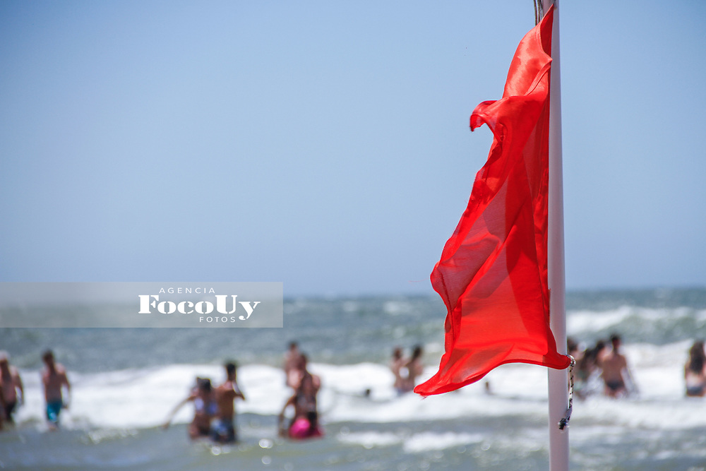 Rocha,  Uruguay. 11 de Enero de 2018.  <br /> Balneario La Pedrera. Playa, Agua Peligro<br /> Foto: Gast&oacute;n Britos / FocoUy