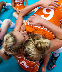 15-10-2018 JPN: World Championship Volleyball Women day 16, Nagoya<br /> Netherlands - USA 3-2 / Laura Dijkema #14 of Netherlands, Maret Balkestein-Grothues #6 of Netherlands