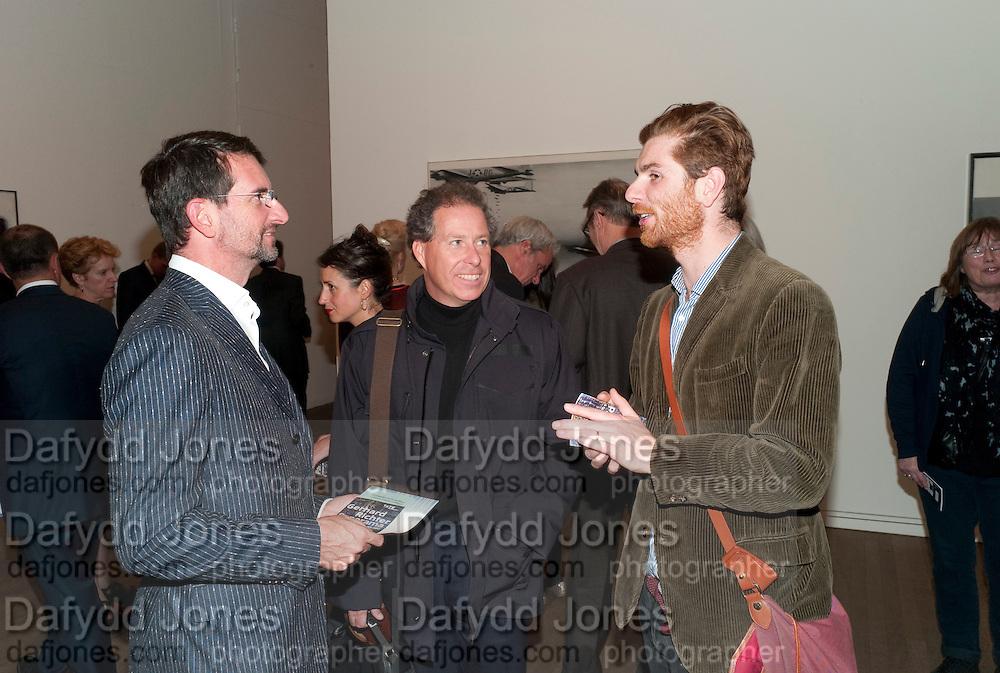 COUNT MANFREDI DELLA GHEREDESCA;; LORD LINLEY; Rodolphe von Hofmannsthal, Gerhard Richter: Panorama. Tate Modern. London. 4 October 2011. <br /> <br />  , -DO NOT ARCHIVE-© Copyright Photograph by Dafydd Jones. 248 Clapham Rd. London SW9 0PZ. Tel 0207 820 0771. www.dafjones.com.