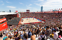 29.07.2017, Donauinsel, Wien, AUT, FIVB Beach Volleyball WM, Wien 2017, Herren, Gruppe H, im Bild Übersicht von der Arena // overview of the arena during the men's group H match of 2017 FIVB Beach Volleyball World Championships at the Donauinsel in Wien, Austria on 2017/07/29. EXPA Pictures © 2017, PhotoCredit: EXPA/ Sebastian Pucher