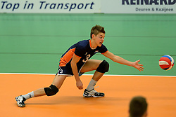29-12-2014 NED: Eurosped Volleybal Experience Nederland - Belgie -19, Almelo<br /> Nederland verliest met 3-2 van Belgie / Mats Bleeker