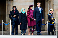21-11-2018 AMSTERDAM - King Willem-Alexander and Qeen Maxima during the welcome ceremony The President of the Republic of Singapore, Halimah Yacob, makes a state visit to the Netherlands at the invitation of King Willem-Alexander.  Copyright Robin Utrecht