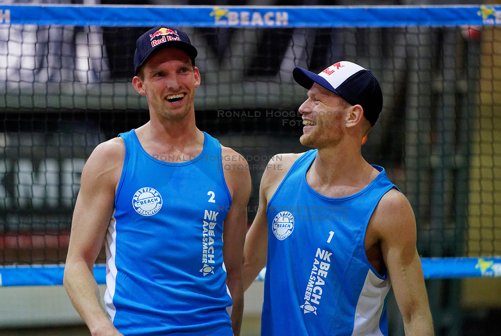 04-01-2020 NED: NK Beach volleyball Indoor, Aalsmeer<br /> Robert Meeuwsen #2, Alexander Brouwer #1