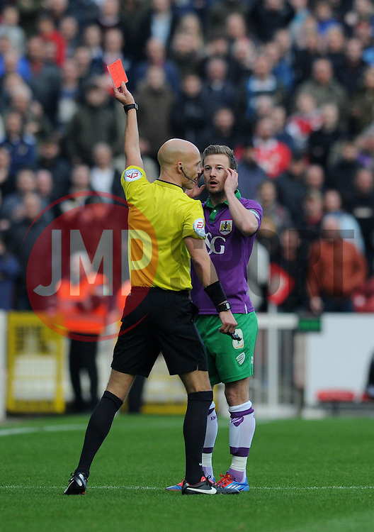 Bristol City's Wade Elliott receives a red card. - Photo mandatory by-line: Dougie Allward/JMP - Mobile: 07966 386802 - 15/11/14 - SPORT - Football - Swindon - The County Ground - Swindon Town v Bristol City - Sky Bet League One