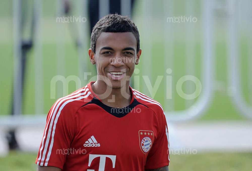Fussball 1. Bundesliga  Saison   2010/2011   07.01.2011 Training  FC Bayern Muenchen Luiz Gustavo