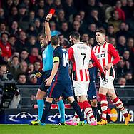 EINDHOVEN, PSV - Atletico Madrid, voetbal Champions League tweede ronde, seizoen 2015-2016, 24-02-2016, Philips Stadion, PSV speler Gaston Pereiro (2R) krijgt de rode kaart van scheidsrechter Daniele Orsato (L) na zijn tweede gele kaart.