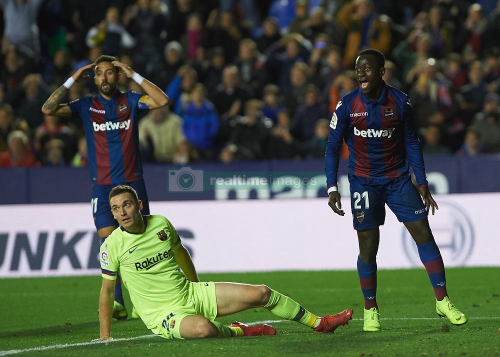 صور مباراة : ليفانتي - برشلونة 0-5 ( 16-12-2018 )  20181216-zaa-a181-014