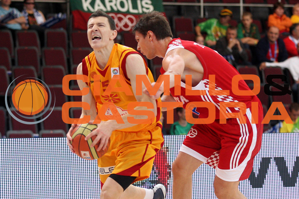 DESCRIZIONE : Alytus Lithuania Lituania Eurobasket Men 2011 Preliminary Round Macedonia Croazia FYR of Macedonia Croatia<br /> GIOCATORE : Vlado Ilievski<br /> SQUADRA : Macedonia FYR of Macedonia<br /> EVENTO : Eurobasket Men 2011<br /> GARA : Macedonia Croazia FYR of Macedonia Croatia<br /> DATA : 01/09/2011 <br /> CATEGORIA : palleggio<br /> SPORT : Pallacanestro <br /> AUTORE : Agenzia Ciamillo-Castoria/K.Georgopoulos<br /> Galleria : Eurobasket Men 2011 <br /> Fotonotizia : Alytus Lithuania Lituania Eurobasket Men 2011 Preliminary Round Macedonia Croazia FYR of Macedonia Croatia<br /> Predefinita :