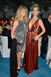 Left to right, GOLDIE HAWN and KATE HUDSON at the Glamour Women of The Year Awards held in Berkeley Square, London on 2nd June 2015.