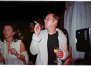 Vic Reeves. Apocalypse opening. Royal Academy. 18 September 2000. © Copyright Photograph by Dafydd Jones 66 Stockwell Park Rd. London SW9 0DA Tel 020 7733 0108 www.dafjones.com