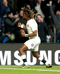 Marland Yarde of England celebrates scoring a try - Mandatory by-line: Robbie Stephenson/JMP - 03/12/2016 - RUGBY - Twickenham - London, England - England v Australia - Old Mutual Wealth Series