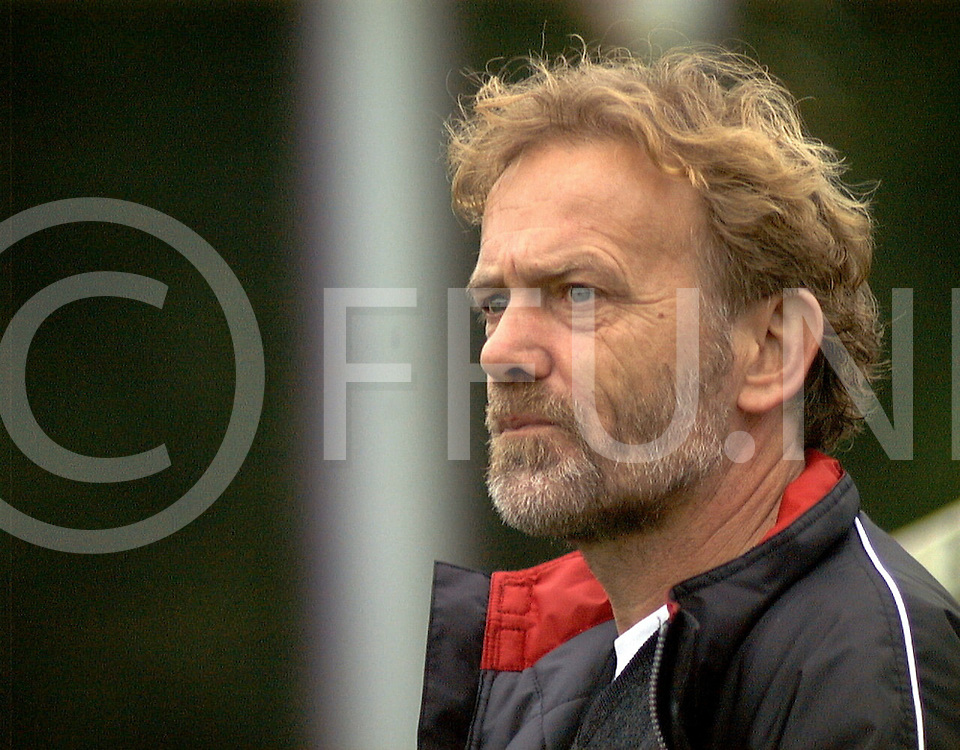 Fotografie Uijlenbroek©1999/Frank Brinkman.991010 hellendoorn ned.trainer sos hdoorn.