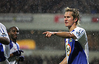 Photo: Paul Thomas.<br /> Blackburn Rovers v Arsenal. The Barclays Premiership. 13/01/2007.<br /> <br /> Morten Gamst Pedersen of Blackburn arranges the defence in the pouring rain.